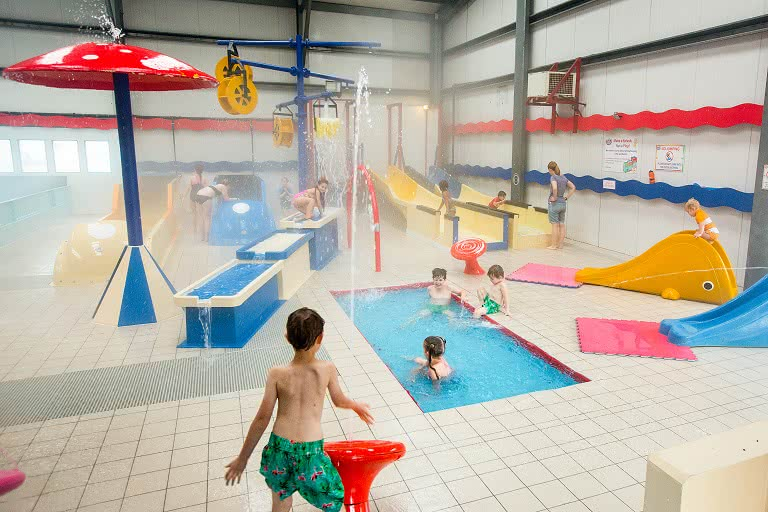 Theme park attractions the gulliver 39 s hotel Hotels in warrington with swimming pool